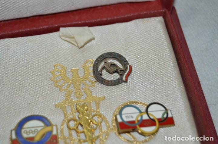Coleccionismo deportivo: AÑO 1976 - DIVISA DE LOS DEPORTES DE POLONIA CON PINES - OLIMPIADAS DE MONTREAL DE 1976 - ENVÍO24H - Foto 8 - 134754042