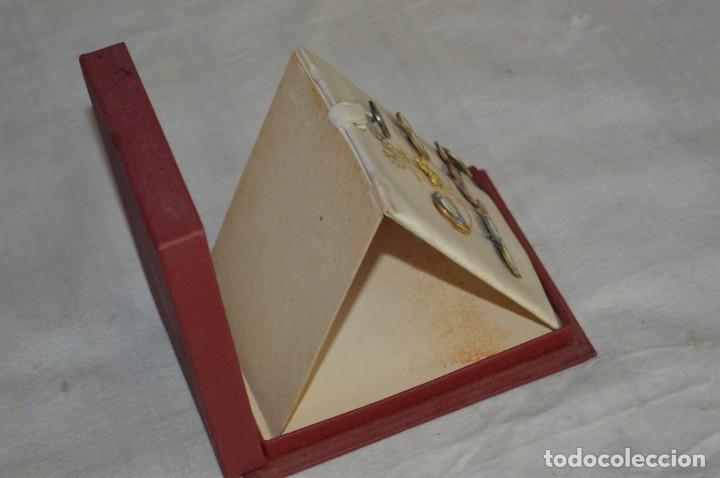 Coleccionismo deportivo: AÑO 1976 - DIVISA DE LOS DEPORTES DE POLONIA CON PINES - OLIMPIADAS DE MONTREAL DE 1976 - ENVÍO24H - Foto 13 - 134754042