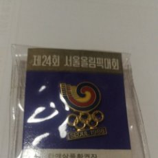 Coleccionismo deportivo: NUEVO EN BLISTER PIN SEOUL 1988 SEUL OLIMPIADAS OLYMPIC GAMES OLÍMPICO. Lote 152375142