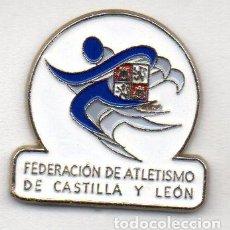 Coleccionismo deportivo: PIN-FEDERACIÓN DE CASTILLA Y LEÓN DE ATLETISMO. Lote 154837706