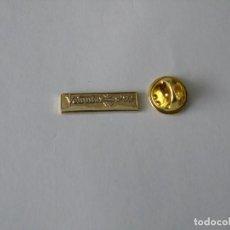 Coleccionismo deportivo: PIN VOLUNTARIOS JUEGOS OLIMPICOS BARCELONA 92. Lote 155593210