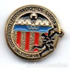 Coleccionismo deportivo: PIN-FEDERACION VALENCIANA DE LUCHA. Lote 155700662