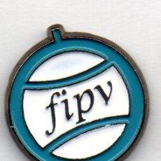 Coleccionismo deportivo: PIN-FEDERACIÓN INTERNACIONAL DE PELOTA VASCA. Lote 155701238