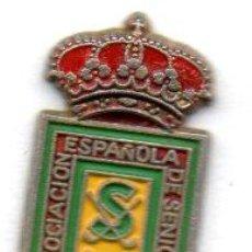 Coleccionismo deportivo: PIN-ASOCIACIÓN DE ESPAÑA SENIORS DE GOLF. Lote 155704750