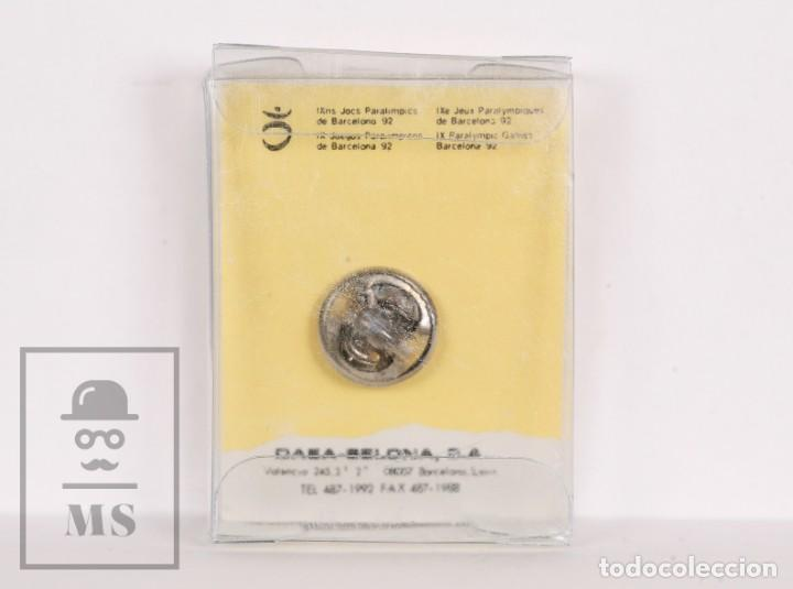 Coleccionismo deportivo: Pin de las Paraolimpiadas / Paralímpicos Barcelona, 1992 / 92 - Petra Nadadora, Natación - Mariscal - Foto 2 - 156156906