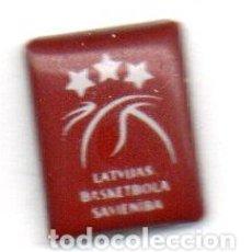 Coleccionismo deportivo: PIN-UNION DE BALONCESTO DE LETONIA. Lote 156448426