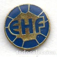 Coleccionismo deportivo: PIN-FEDERACION EUROPEA DE BALONMANO. Lote 156657814