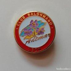 Coleccionismo deportivo: PIN DEL CLUB BALONMANO ADEMAR DE LEÓN. Lote 187317887
