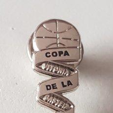 Colecionismo desportivo: PINS DEPORTES BALONCESTO FINAL COPA DE LA REINA FEMENINO VITORIA 2019. Lote 173046468