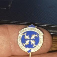 Coleccionismo deportivo: ANTIGUA INSIGNIA DE ALFILER DEL CLUB DE DAMAS PESCADORAS DE MUNCHEN 1905. Lote 175864725