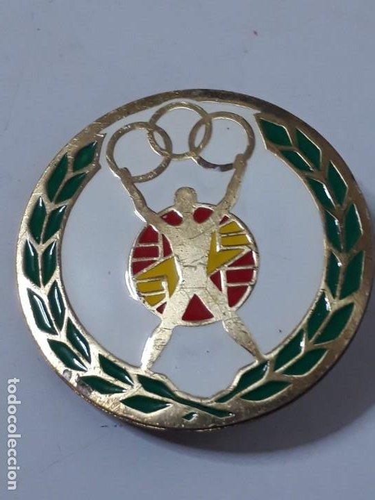 INSIGNIA DE LOS JUEGOS OLÍMPICOS (Coleccionismo Deportivo - Pins otros Deportes)