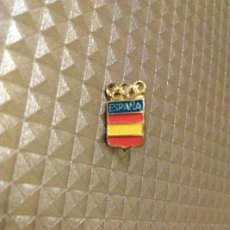 Coleccionismo deportivo: INSIGNIA OLIMPIADAS OLÍMPICOS ESPAÑA. Lote 186105615