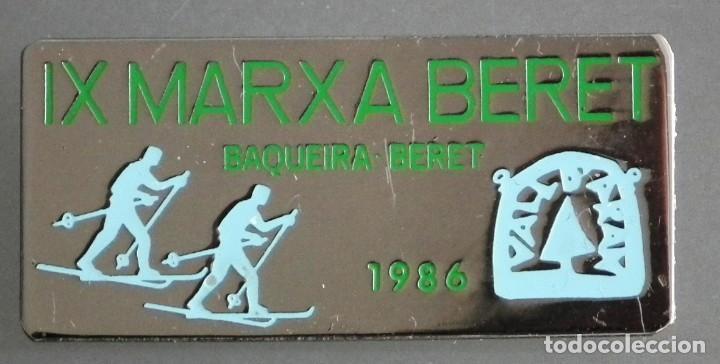 PIN INSIGNIA DE AGUJA: ALTA MONTAÑA - ESQUÍ NÓRDICO - IX MARXA BERET - BAQUEIRA BERET, DEL AÑO 1986 (Coleccionismo Deportivo - Pins otros Deportes)