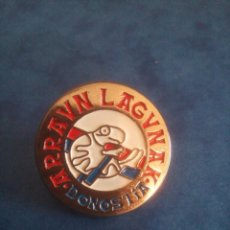 Coleccionismo deportivo: PIN ARRAUN LAGUNAK - DONOSTIA - SAN SEBASTÁN - CLUB DE REMO -. Lote 186682157