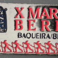 Coleccionismo deportivo: PIN INSIGNIA DE AGUJA: ALTA MONTAÑA - ESQUÍ NÓRDICO - X MARXA BERET - BAQUEIRA BERET, AÑO 1987. Lote 187454335