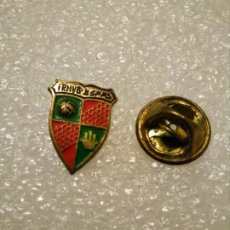 Coleccionismo deportivo: INSIGNIA PINS REAL FEDERACIÓN MARROQUI VOLEIBOL. Lote 189109682