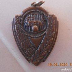 Coleccionismo deportivo: MEDALLA FUTBBOL CLUB BARCELONA ESCUELA DE HOCKEY 72 73. Lote 194573270