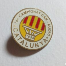 Coleccionismo deportivo: PIN 1° CAMPIONAT- AUDIO. CATALUNYA 1996. Lote 194636848