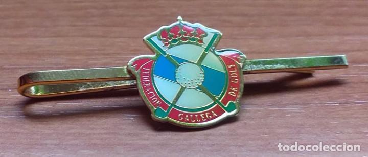 ALFILER DE CORBATA TIPO PIN ASOCIACION GALLEGA DE GOLF (Coleccionismo Deportivo - Pins otros Deportes)