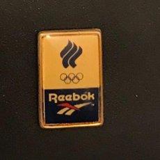 Coleccionismo deportivo: PIN COMITE OLIMPICO DE RUSIA - REEBOK. Lote 195301142