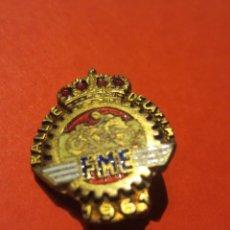 Coleccionismo deportivo: PIN FEDERACIÓN MOTOCICLISTA ESPAÑOLA. RALLY DE LA FIM. MALLORCA 1961.. Lote 209749248
