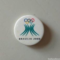 Coleccionismo deportivo: CHAPA PIN BRASILIA 2000. Lote 196634105
