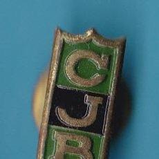 Coleccionismo deportivo: INSIGNIA DEPORTIVA ANTERIOR A 1970. CJB. CLUB JUVENTUD DE BADALONA. BALONCESTO.. Lote 14074710