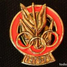 Coleccionismo deportivo: PIN DE OJAL JUEGOS DEPORTIVOS 1976 - 78. Lote 202012311