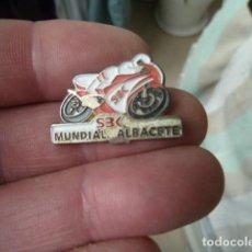 Colecionismo desportivo: PIN SBK 95 - ALBACETE - MUNDIAL DE SUPER BIKE - ALBACETE MOTOCICLISMO. Lote 203633637