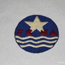 Coleccionismo deportivo: FEDERACIÓN CATALANA DE NATACIÓN, 1920-30, PARCHE BORDADO. Lote 204107506