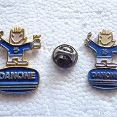 Colecionismo desportivo: 2 PINS DE DEPORTES. JJOO BARCELONA 92 1992 JUEGOS OLÍMPICOS OLIMPIADAS. COBI DANONE. Lote 208889110