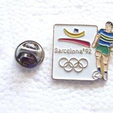 Collezionismo sportivo: PIN DE DEPORTES. JJOO BARCELONA 92 1992 JUEGOS OLÍMPICOS OLIMPIADAS. FÚTBOL. Lote 208889947