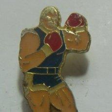 Coleccionismo deportivo: PIN BOXEO. Lote 208916648
