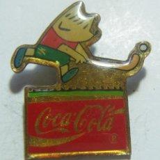 Coleccionismo deportivo: PIN COCA COLA BARCELONA 92 COBI HOCKEY HIERBA. Lote 210775257