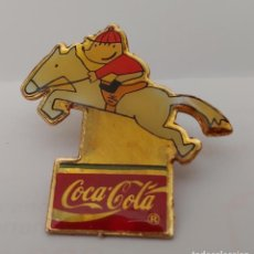 Coleccionismo deportivo: PIN COCA COLA 92. Lote 212173565