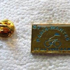 Coleccionismo deportivo: PIN DE DEPORTES. CICLISMO CICLISTA. CARRERA PARIS MANTES 1992. Lote 213340003