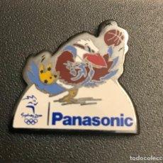 Coleccionismo deportivo: PIN BALONCESTO MASCOTA JUEGOS OLIMPICOS SIDNEY 2000 PANASONIC. Lote 215300608