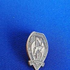 Coleccionismo deportivo: PIN REAL CLUB NATACION DELFIN 75 ANIVERSARIO. Lote 216516896