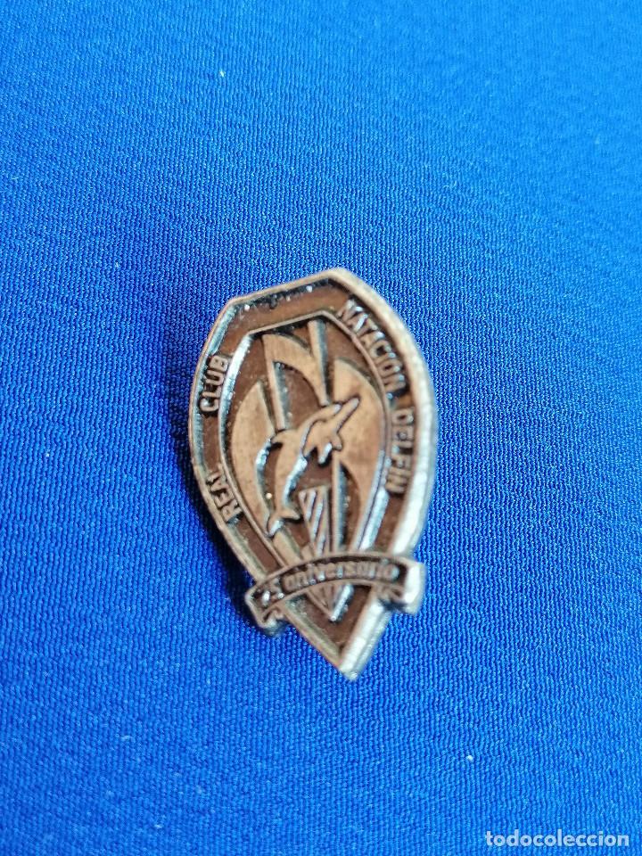 Coleccionismo deportivo: PIN REAL CLUB NATACION DELFIN 75 ANIVERSARIO - Foto 2 - 216516896