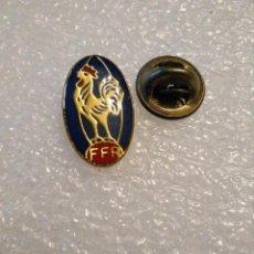 Colecionismo desportivo: PINS INSIGNIA SOLAPA RUGBY FEDERACIÓN FRANCIA , FRANCESA. Lote 217936958