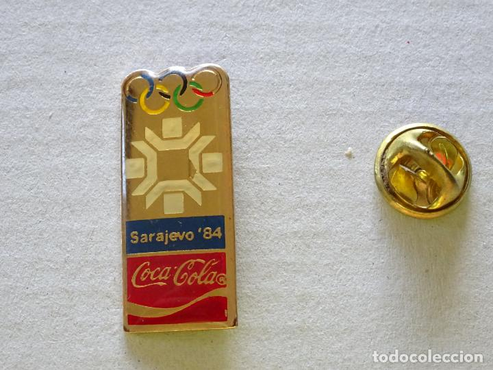 PIN DE DEPORTES. JUEGOS OLÍMPICOS DE INVIERNO SARAJEVO 84 1984 YUGOSLAVIA. COCA COLA (Coleccionismo Deportivo - Pins otros Deportes)