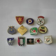 Coleccionismo deportivo: LOTE DE 12 INSIGNIAS- PINS - FEDERACIONES INTERNACIONALES DE TENIS DE MESA - PING PONG - AGUJA. Lote 222119515