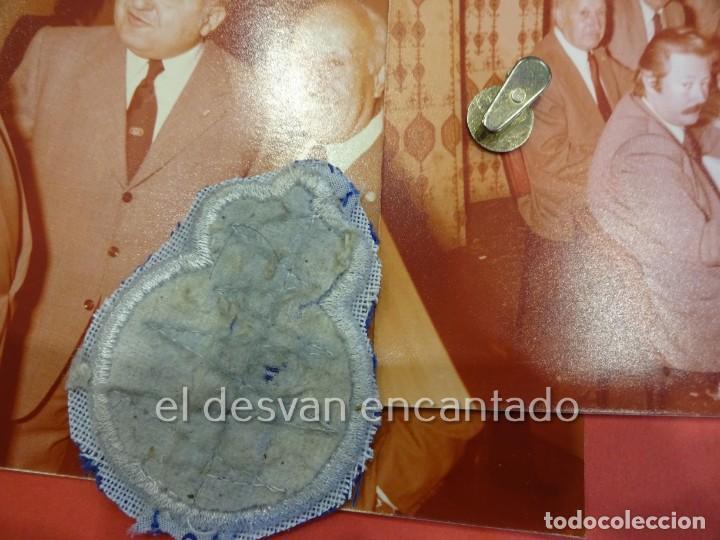 Coleccionismo deportivo: RCD ESPAÑOL. Lote fotografías acto 75 Aniversario. Manuel Meler + escudo e insignia solapa - Foto 7 - 229549950