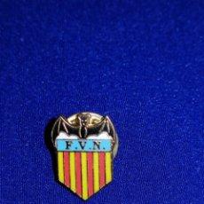 Coleccionismo deportivo: PIN FEDERACIÓN VALENCIANA DE NATACIÓN. Lote 229562115
