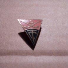 Coleccionismo deportivo: INSIGNIA - PIN DE HOCKEY T. C. ES DE AGUJA. Lote 230402485