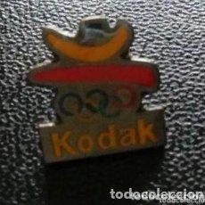 Coleccionismo deportivo: PINS KODAK. PATROCINADOR OFICIAL DE LOS JUEGOS OLÍMPICOS BARCELONA 92. Lote 235838625