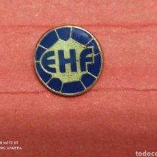 Colecionismo desportivo: PINS BALONMANO FEDERACIÓN INTERNACIONAL DE BALONMANO. Lote 237327440