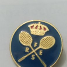 Colecionismo desportivo: PINS DE DEPORTE. FEDERACIÓN ESPAÑOLA DE SQUASH.. Lote 238252920
