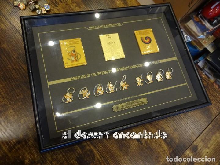 OLIMPIADA SEUL 88. INSIGNIAS OFICIALES CONMEMORATIVAS EN ENMARCACION LUJO. (Coleccionismo Deportivo - Pins otros Deportes)