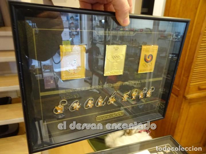 Coleccionismo deportivo: OLIMPIADA SEUL 88. Insignias oficiales conmemorativas en enmarcacion lujo. - Foto 7 - 240882040